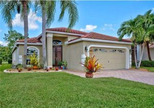 Cresthaven Real Estate For Sale in Pompano Beach